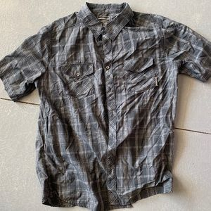 Merrell button up shirt sleeve
